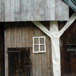 gebint en raam voor de oude schuur