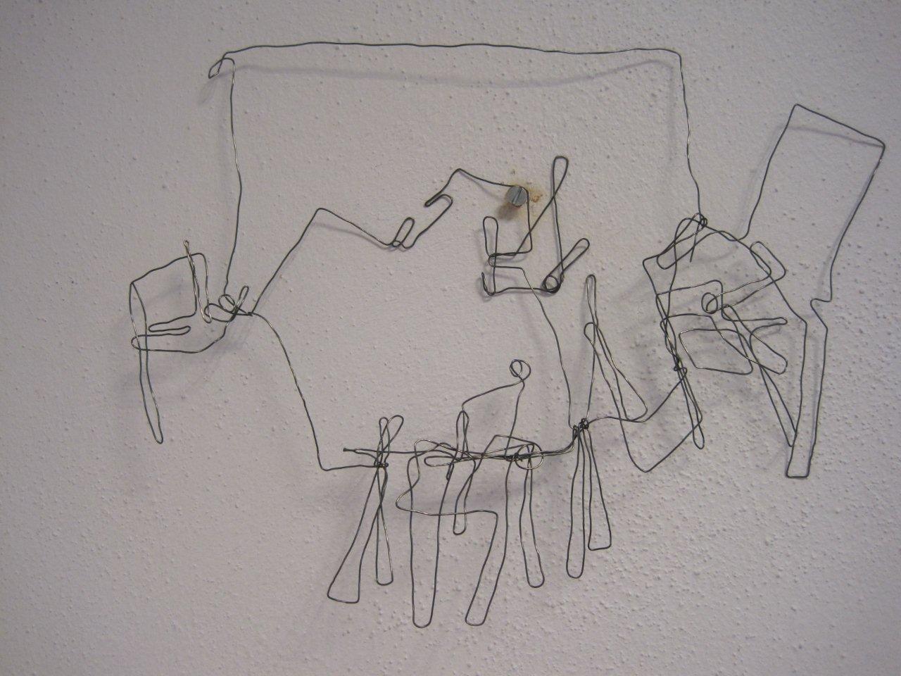 4 stoelen rond de tafel