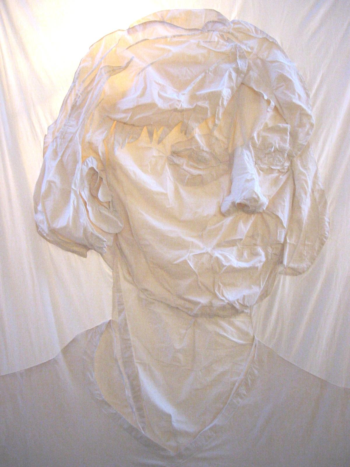 Stoffen zelfportret, 2004 met verlichting lxbxhx 265x340x20 cm